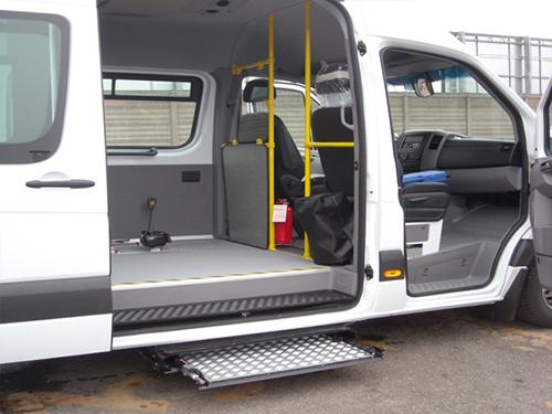 Allestimento autobus per disabili