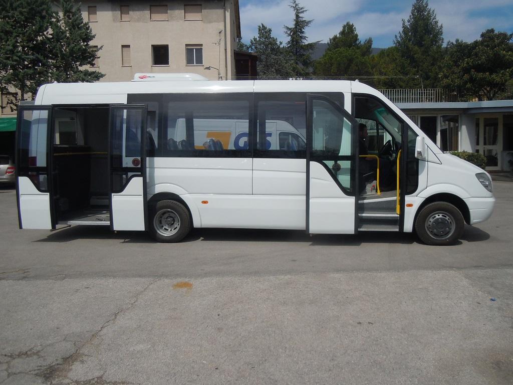 autobus urbano Mercedes Benz sprinter 960