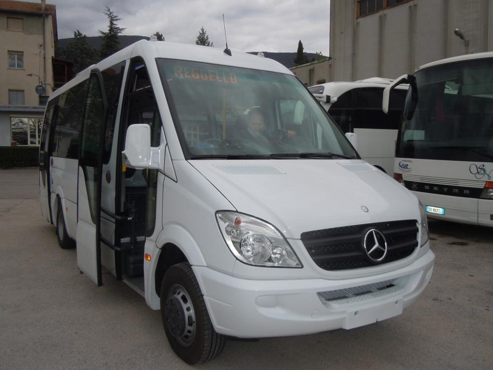 autobus-urbano-mercedes-sprinter-profilo