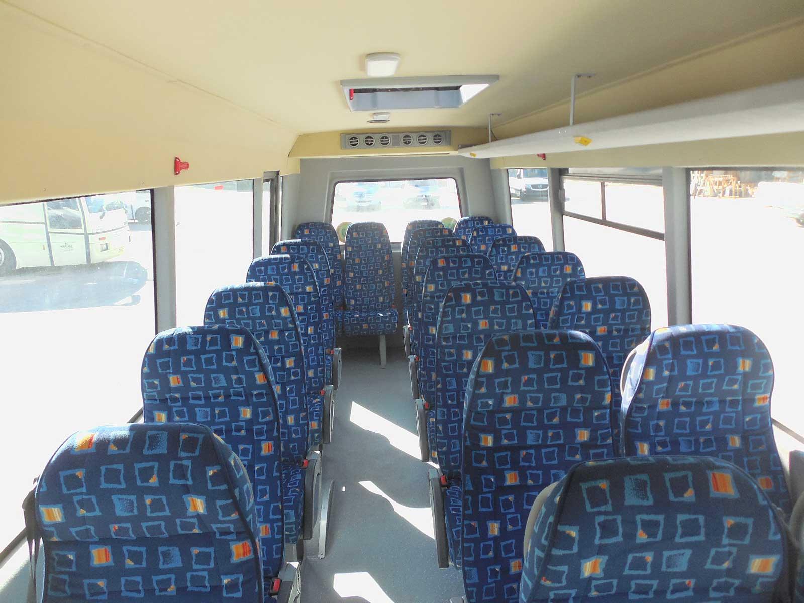 autobus-usato-isuzu-interni