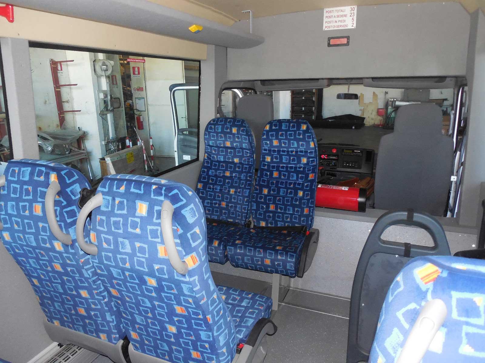 autobus-usato-isuzu-interni-3