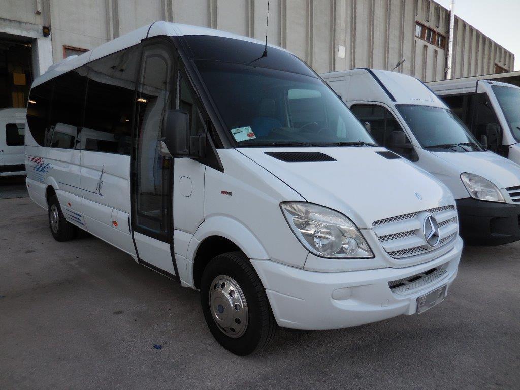 Autobus usato Mercedes Benz sprinter plus