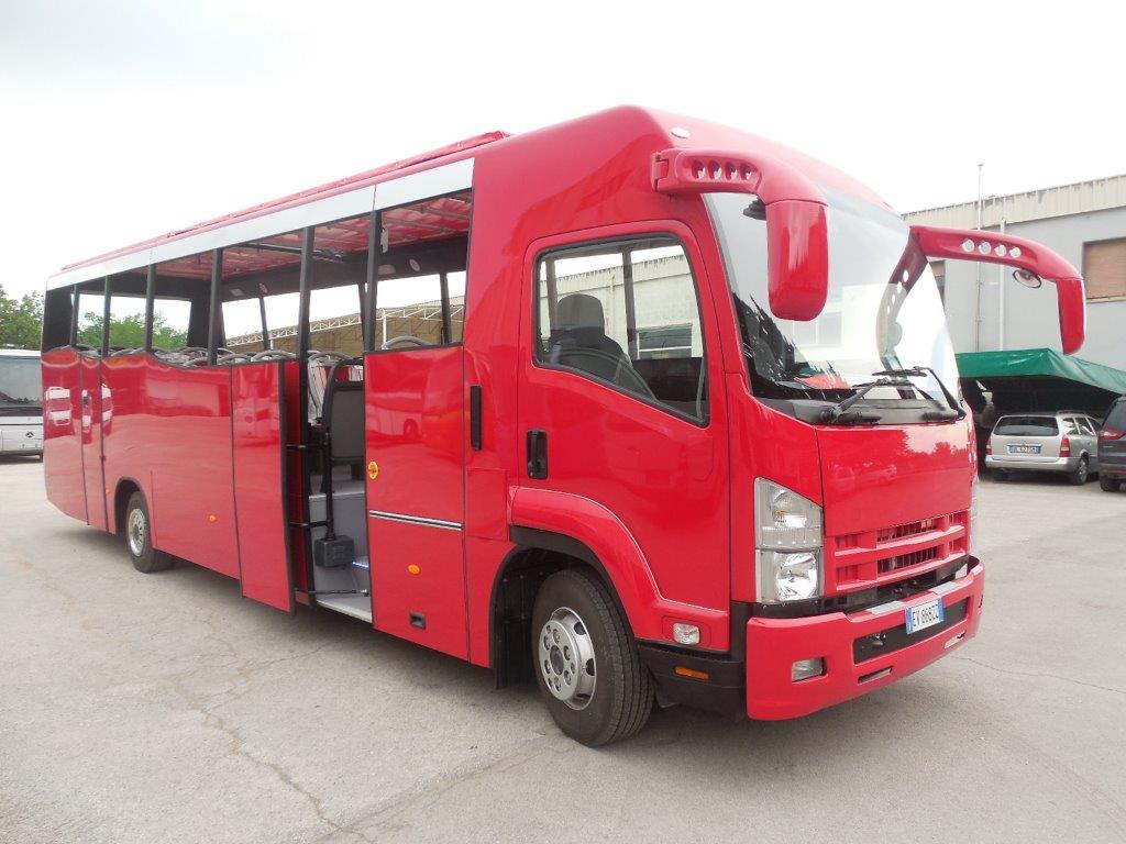 Autobus cabrio Isuzu