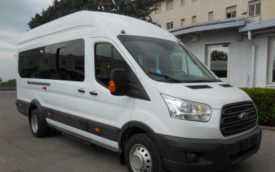 Autobus turismo Ford Transit
