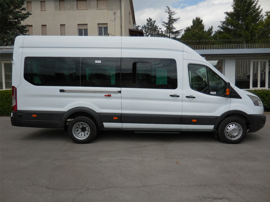 ford-transit-bus-carind_3
