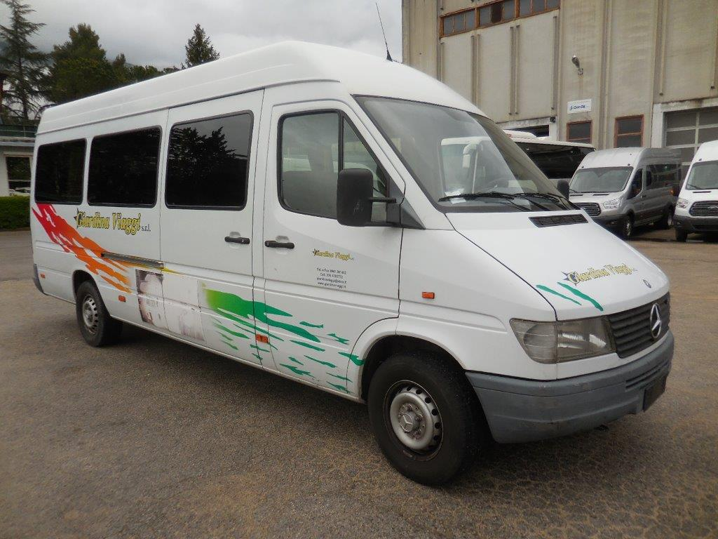 Autobus usato mercedes sprinter 312