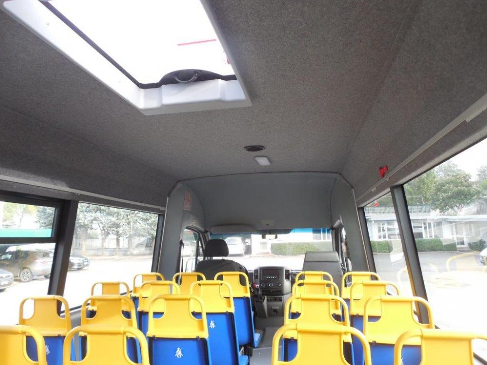 scuolabus-mercedes-kid-int