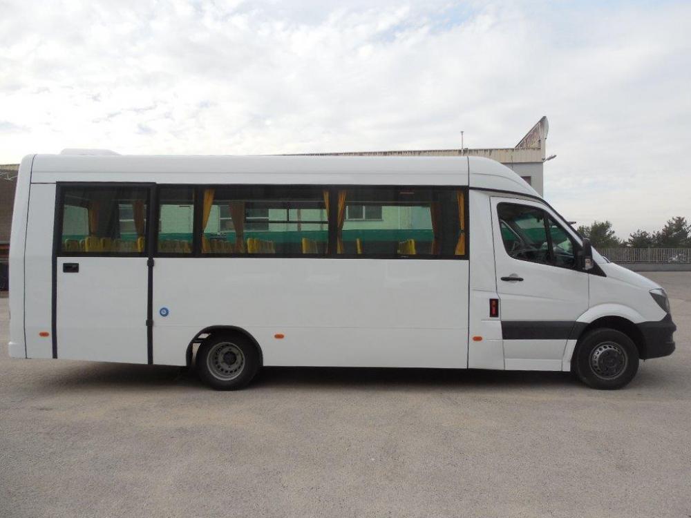 scuolabus-mercedes-lato-1